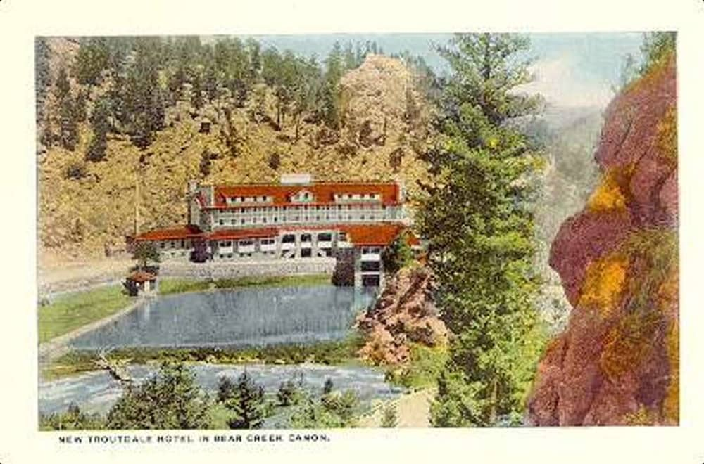 Troutdale In the Pines postcard, circa 1935